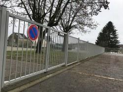 Stationnement – Mieux sécuriser les abords des écoles !
