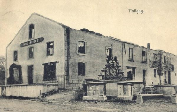 Historische Ansicht des Löwenbrunnen in Tintigny (um 1914)